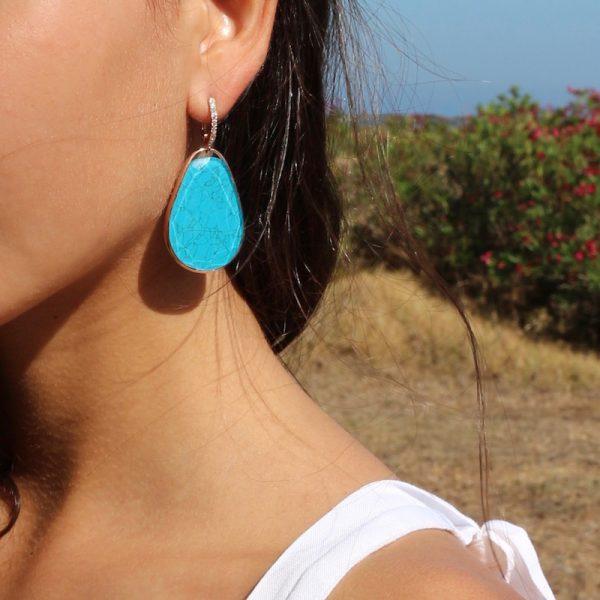 orecchini goccia turchese cristallo di rocca dettaglio