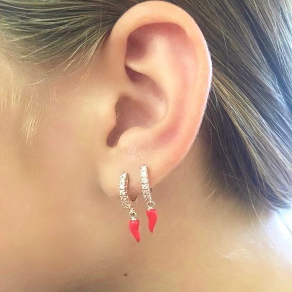 orecchino mono cornetto portafortuna smalto rosso